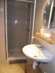 holidays France Lac de la Grange shower